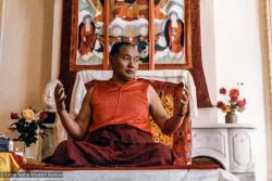 (33657_pr-3.psd) Meditation instructions from Lama Yeshe, Institut Vajra Yogini, Lavaur, France, 1983. Jeff Nye (photographer)