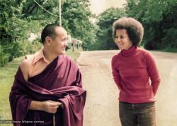 (38115_pr-3.jpg) Lama Yeshe and Jan Willis, Madison, WI, 1974. Jan Willis (donor)