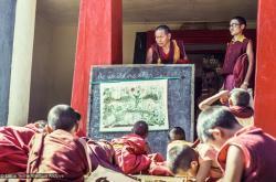 (39321_sl-3.tif) Lama Yeshe teaching Mount Everest Center students, Kopan Monastery, 1976.