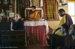 (39326_sl-3.jpg) Freda Bedi giving a Dharma teaching, Kopan Monastery, with Lama Zopa Rinpoche and Lama Yeshe, 1976.