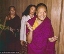 (39438_ud-3.psd) Jena Bruer with Lama Zopa Rinpoche and Lama Yeshe, Germany, 1979. Jena Bruer (donor)
