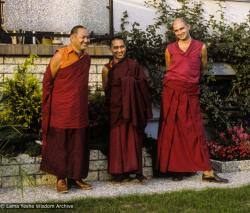 (39505_sl-3.jpg) Piero Cerri with the Lama Yeshe and Lama Zopa Rinpoche, Jagerndorf, Germany, 1981.