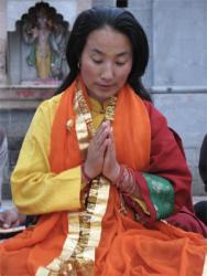Khadro-la (Rangjung Neljorma Khadro Namsel Drönme)