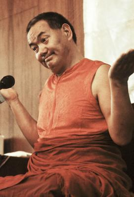 Lama Yeshe teaching in Geneva, Switzerland, 1983. Photo: Ueli Minder.