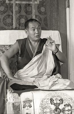 Lama Yeshe teaching at Manjushri Institute, England, 1976.