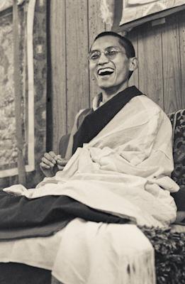 Lama Zopa Rinpoche teaching at Lake Arrowhead, California, 1975. Photo: Carol Royce-Wilder.
