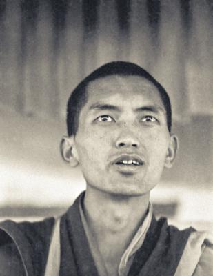 Lama Zopa Rinpoche teaching at the Sixth Meditation Course, Kopan Monastery, Nepal, 1974. Photo by Ursula Bernis.