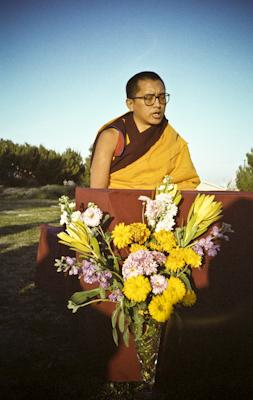 Lama Zopa Rinpoche teaching in Adelaide, Australia, 1983. Photo: Wendy Finster.