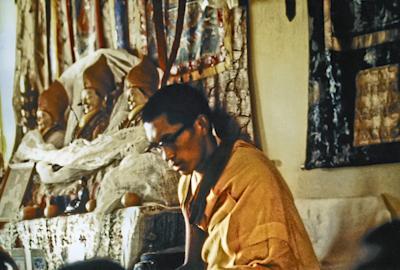 Lama Zopa Rinpoche teaching at the Fourth Meditation Course at Kopan Monastery, Nepal, 1973. Photo: Lynda Millspaugh.