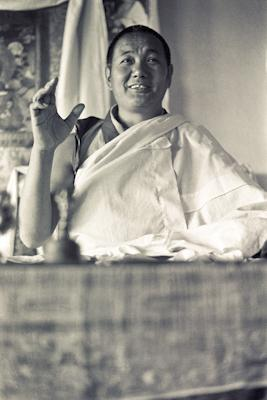 Lama Yeshe teaching at Kopan Monastery, Nepal, 1974. Photo: Ursula Bernis.