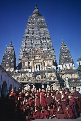 The lamas with Western Sangha and Mount Everest Center students in Bodhgaya, 1974.