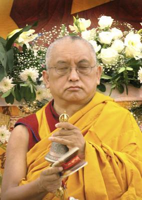 Lama Zopa Rinpoche in Italy.  Photo by Piero Siriani.