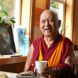 Rinpoche in a coffee shop in Tonasket, USA, September 2016. Photo: Lobsang Sherab.
